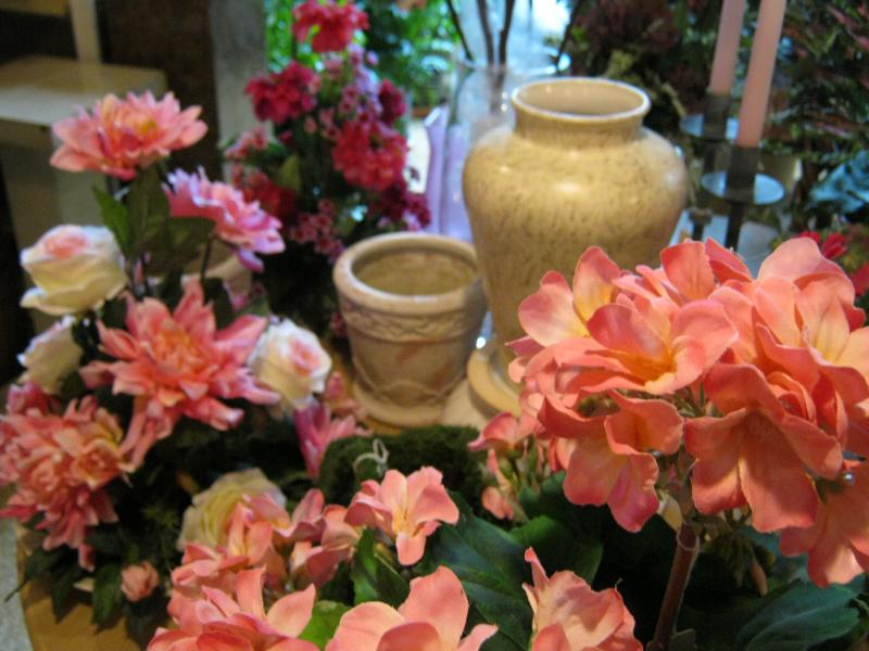 Hatler florist gift gallery home hatler florists gift gallery is full of beautiful permanent arrangements fresh blooming and green plants and seasonal accessories all displayed in a negle Choice Image
